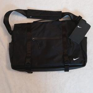 Nike Eugene Elite Messenger Bag